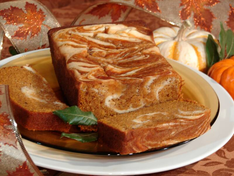 Pumpkin_Cream_Cheese_Swirl_Bread_014-_edit_op_800x600.jpg